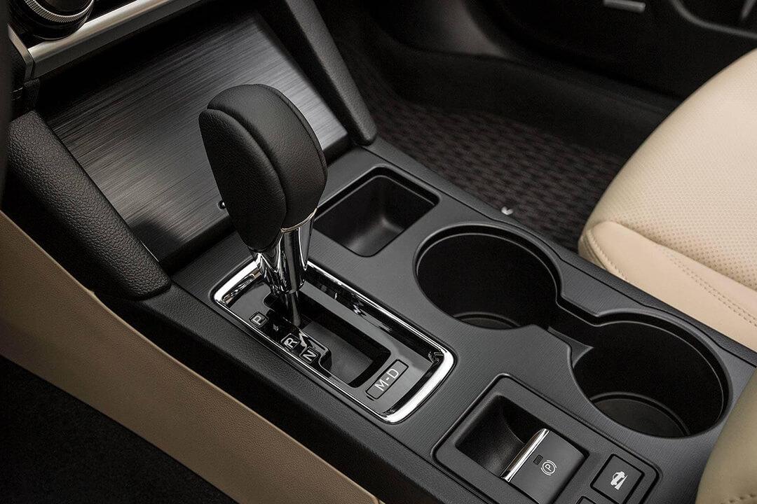 2018-Subaru-Outback-växelspak-automat