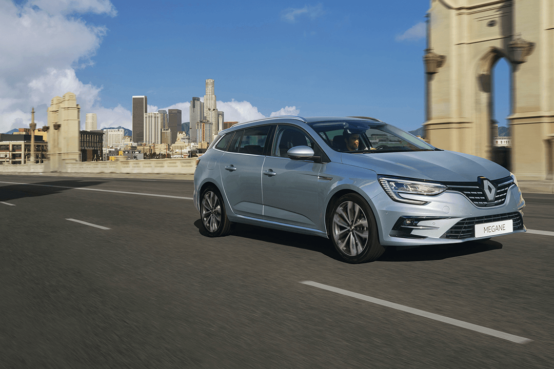 Renault-megane-zen-i-rörelse